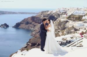 Романтичната сватба на Кристина и Сергей на о-в Санторини
